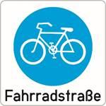Fahrradstraße mit Schriftzug